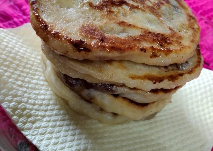 Korean sweet pancake / hotteok