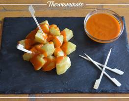 Patatas confitadas con salsa brava con Thermomix