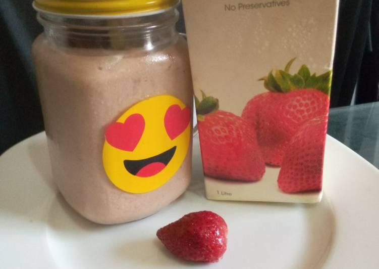 Strawvocado smoothie