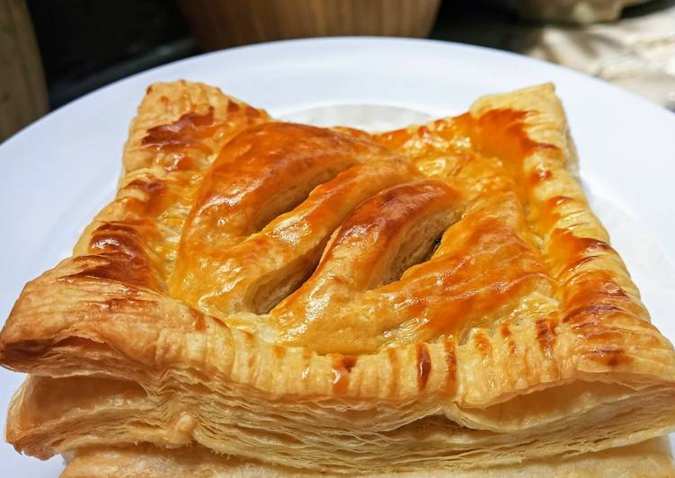 apple-raisin-puff-pastry