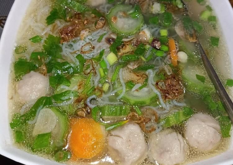 Sayur bening gambas/oyong,bakso, wortel