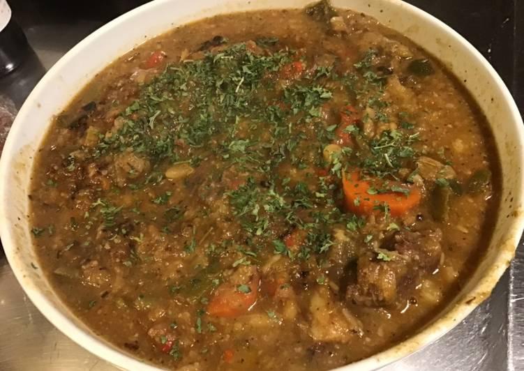Recette Délicieuse Bœuf mijoté aux légumes d hiver (chou fleur,aubergine,courgettes,carottes,poivron,poireau)