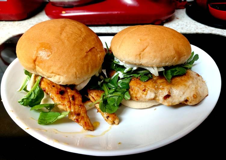 How to Make Delicious My fried Salt and Pepper seasoned Chicken on a bun. 🥰🥰🥰