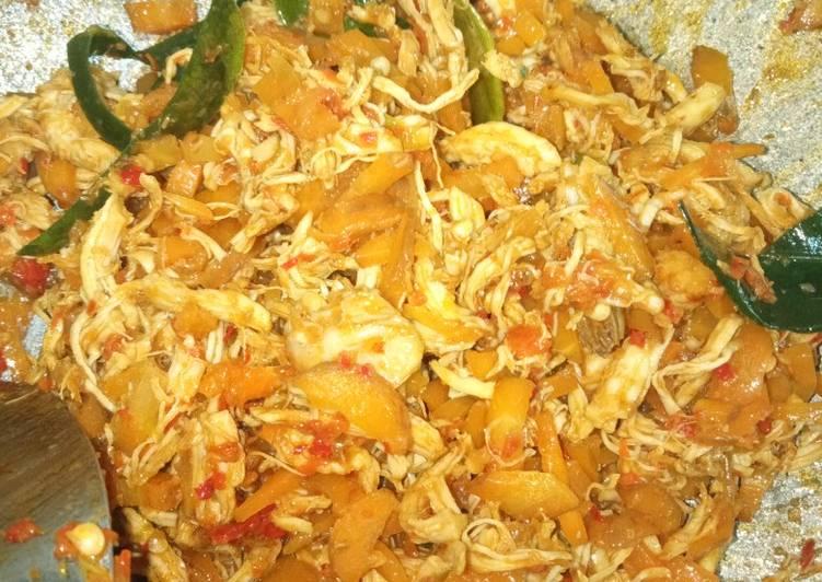 Resep Ayam suwir pedes untuk isian (Risol, pastel dan cireng) yang Menggugah Selera