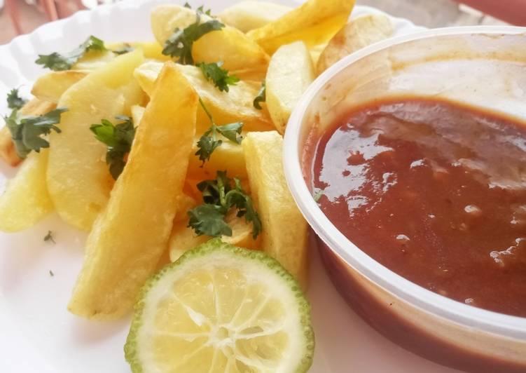 Potato wedges with tamarind chutney