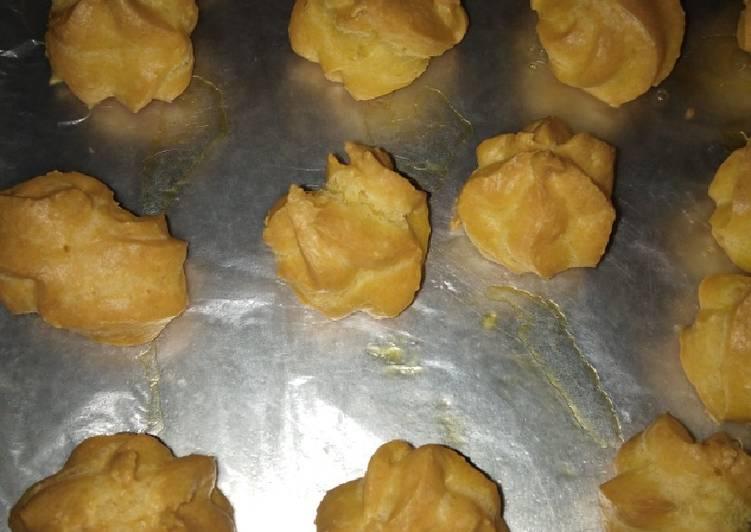 Cara Gampang Membuat Soes Kering Keju Kriuk2 yang Bikin Ngiler
