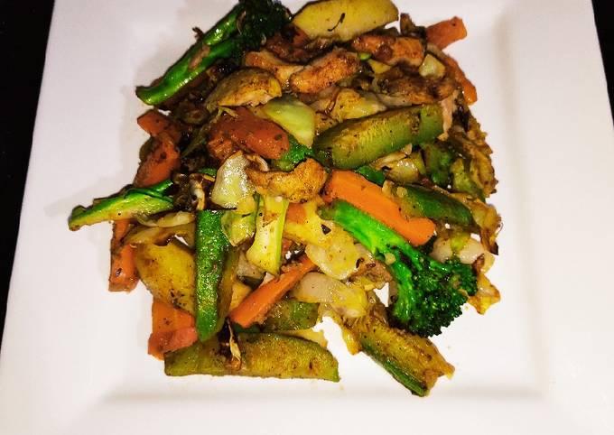 Healthy Grilled Chicken Vegetable Salad 🥗