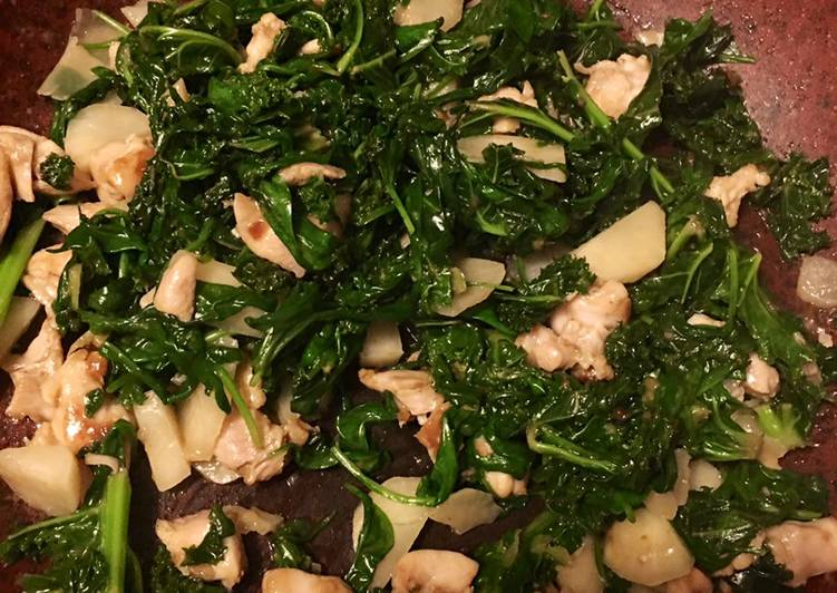 Kale and spinach stir fry with chicken - cook 20min keto