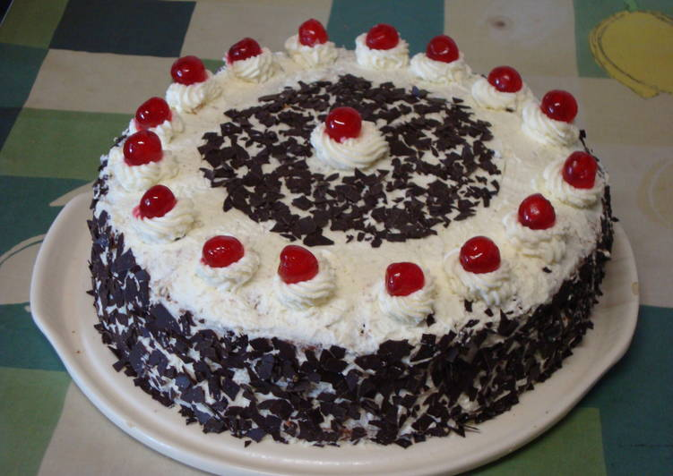 How to Improve Your Mood with Food Black Forest Cake (Schwarzwaelder Kirsch Torte)