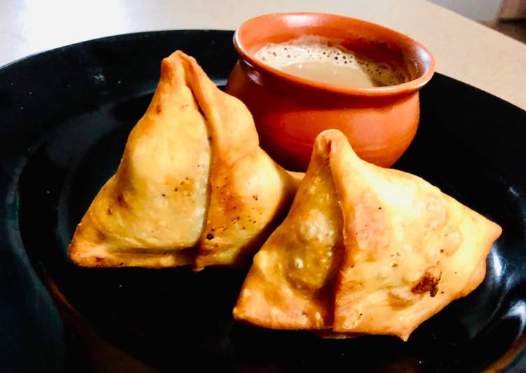 Foods That Can Make You Happy Samosa