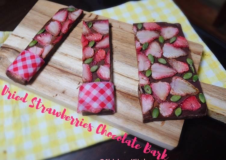 (No bake)Dried Strawberries Chocolate Bark 🍫💕