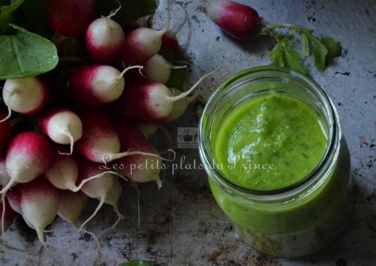 Recette: Savoureux Tartinade verte de fanes de radis, comme un pistou du pauvre