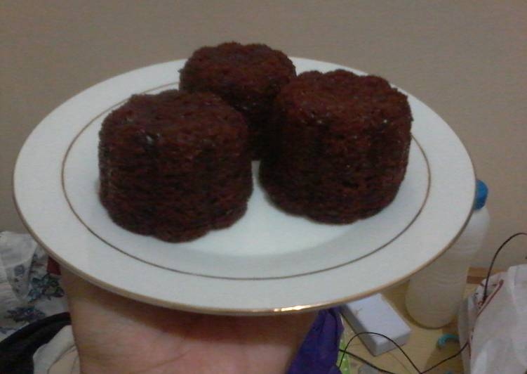 Cara Gampang Menyajikan Bolu karamel sakura (tanpa telur) Sederhana