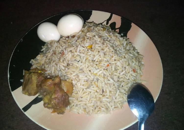 Having This 7 Superfoods Is A Superb Way And Be Healthy, Dafadukar shinkafa mai daddawa da dafaffen kwai da nama