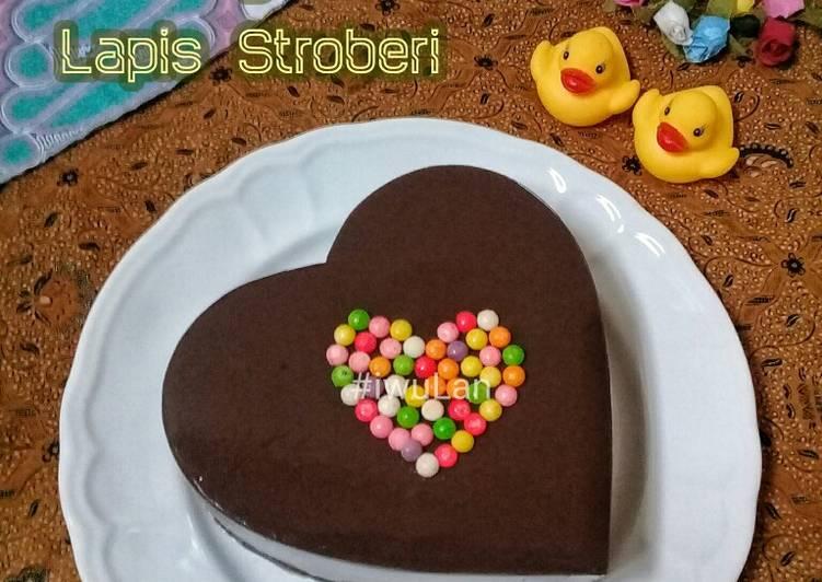Puding Coklat Lapis Stroberi