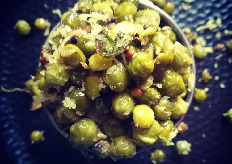 How to Prepare Award-winning Sprouted Green Peas Sundal