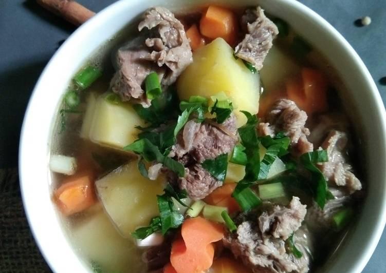 Soup daging bening