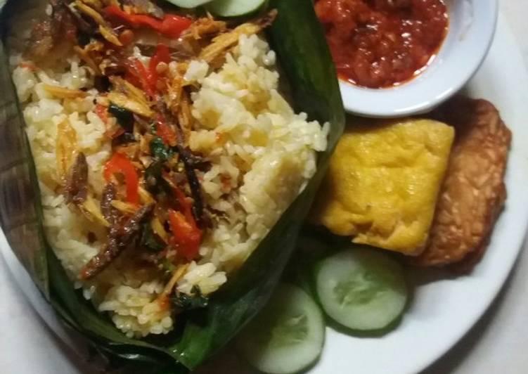 Nasi bakar ikan tongkol kemangi