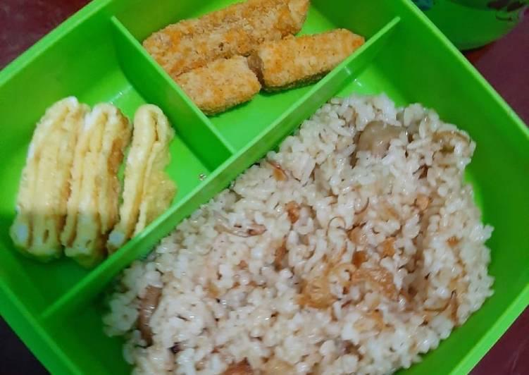 Resep Nasi goreng simple untuk bekal sekolah anak Paling Mudah