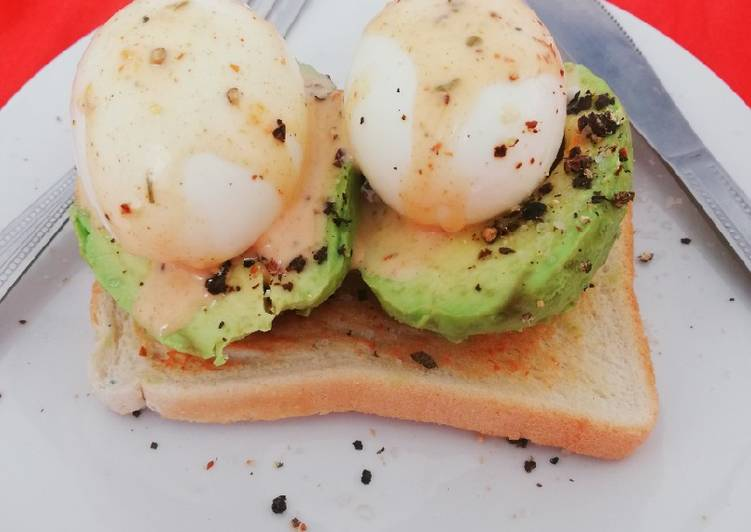 Simple Way to Make Perfect Delicious Egg and Avo Toast