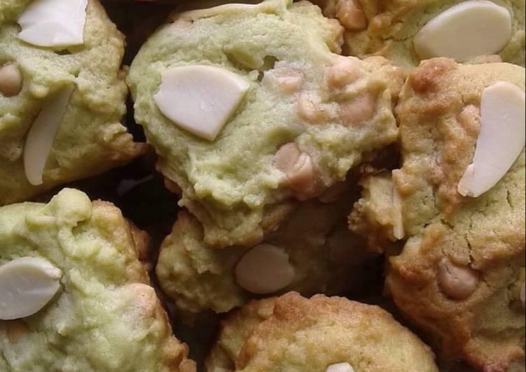 Greentea almond cookies