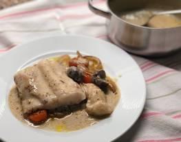 Merluza al horno con salsa de castañas