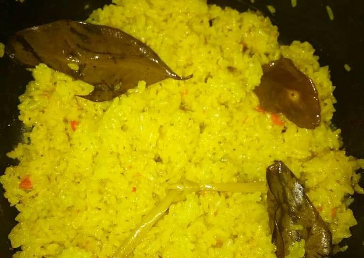 Nasi Uduk Kuning Magic Com
