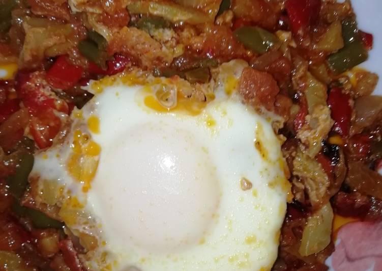 Pisto de calabacín con huevo