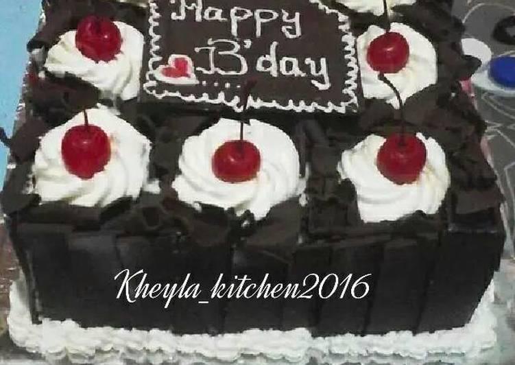Black forest Lembut Nyoklat (kue ulang tahun)