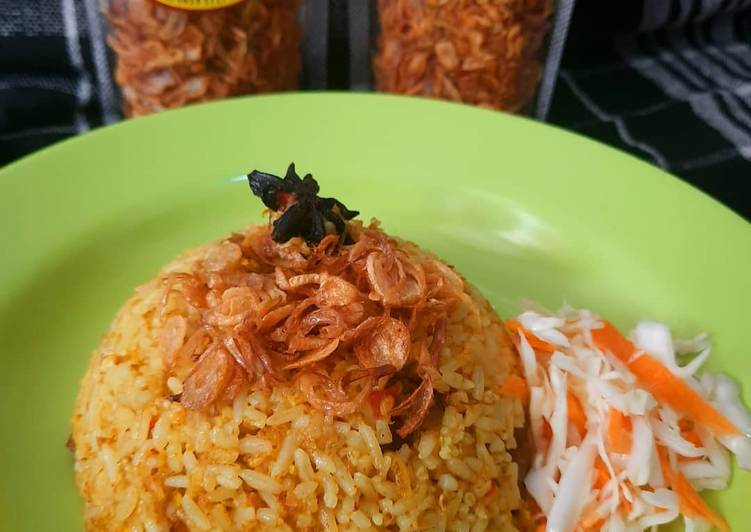 Nasi goreng kambing tanpa bumbu kari