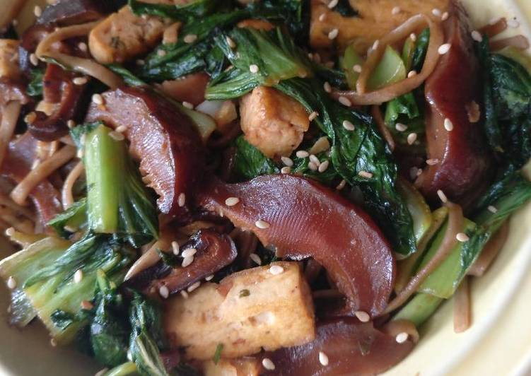 How to Prepare Award-winning Shiitake and Tofu Soba Noodle Bowl