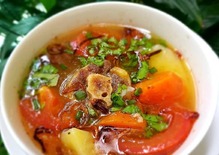 Sup Buntut / Oxtail soup