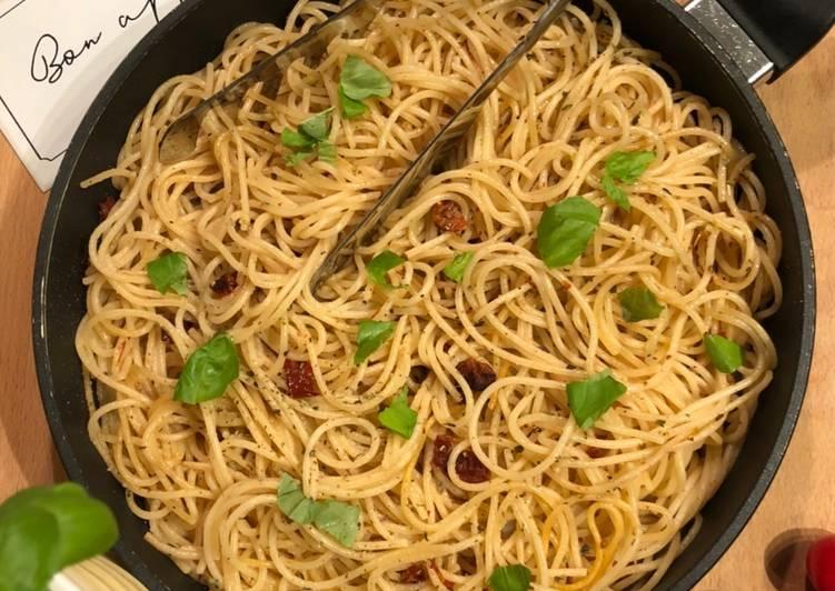 Knoblauchspaghetti