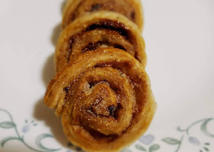 QUICK CINNAMON ROLL(USING PUFF PASTRY)