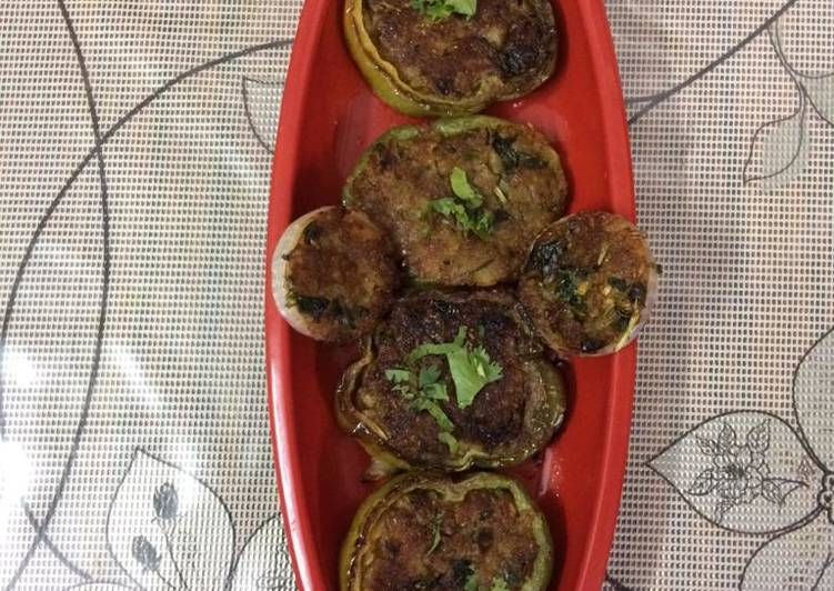 Stuffed capsicum rings