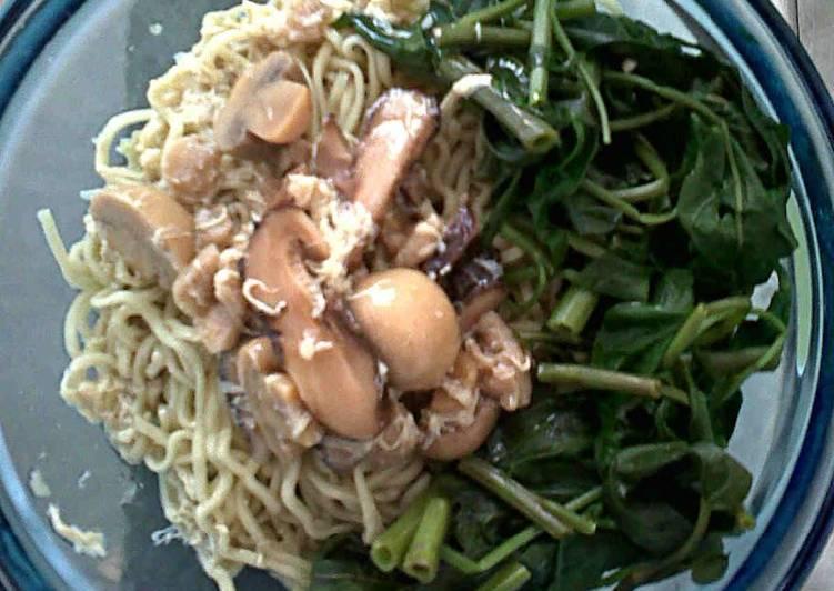 Lomie (Mie kangkung) Vegetarian