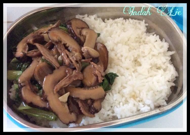 Lunch Bento with Bakcoy Tumis Saos Tiram