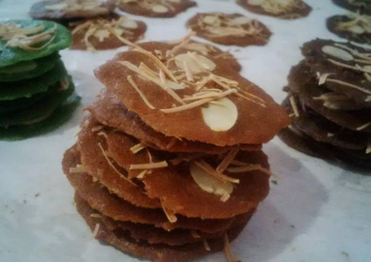 Almond Crispy Cheese Cookies