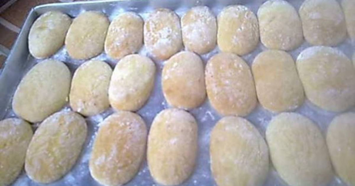 Roti Kenari Massenrempulu