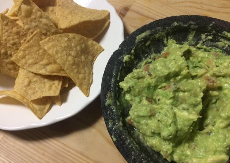 Guacamole Dip for Tortilla Chips (Saus Guacamole untuk cocolan Tortilla Chips)