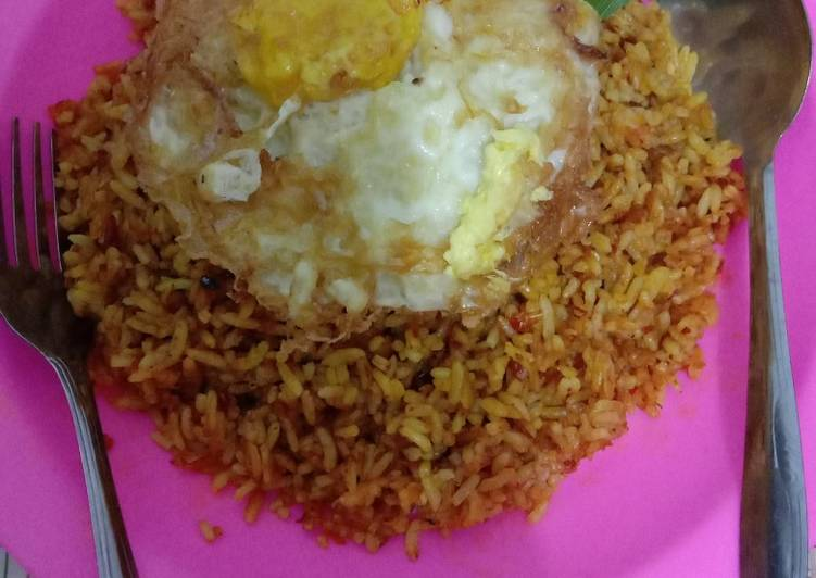 Resep Nasi goreng ikan teri pedes ala anak kos Bikin Laper
