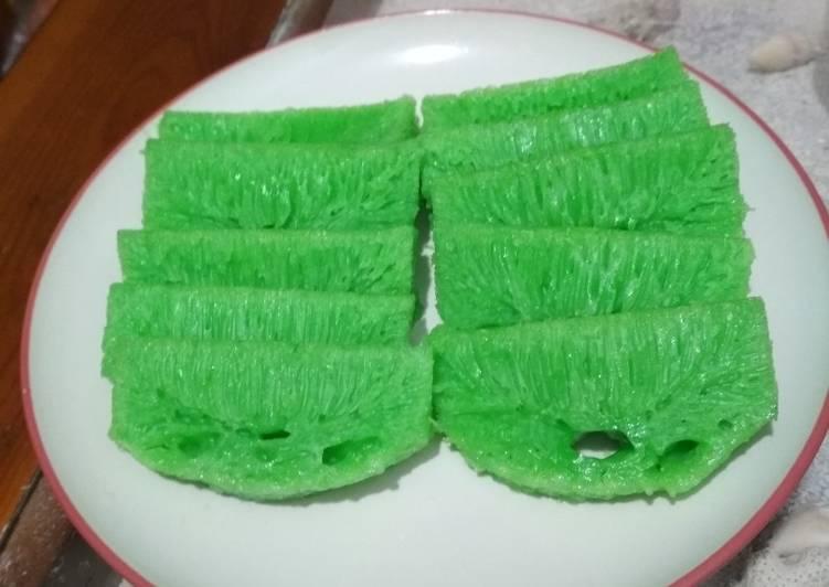 Kue Pak Thong Koh (Apem Kukus Lembut dan Bersarang) - ganmen-kokoku.com