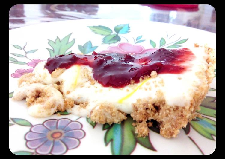 Quick Chilled Lime Pie Topped Strawberry