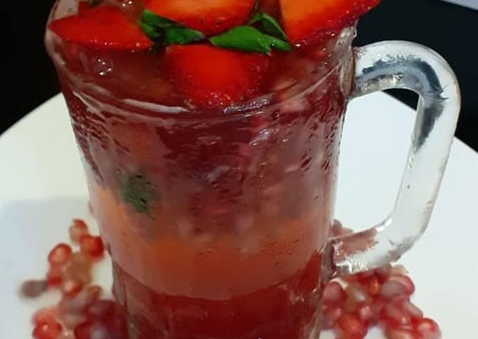 Strawberry pomegranate Mojito