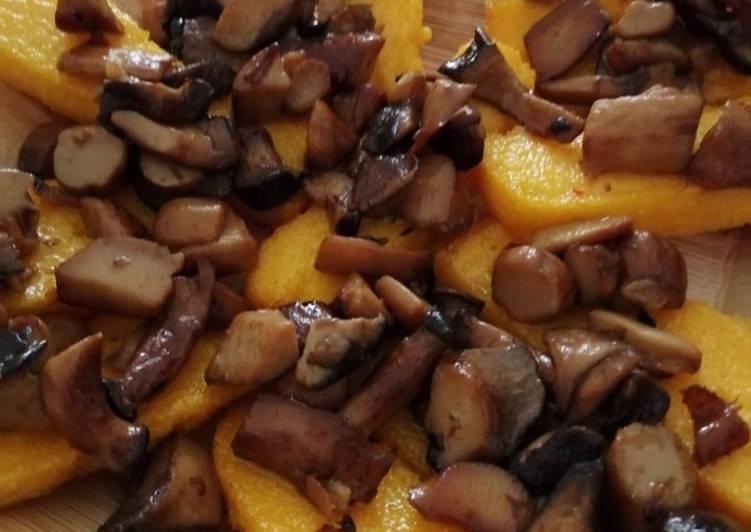 Recipe: Delicious Crostini di polenta fritta ai funghi trifolati