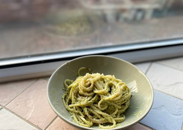 Use Food to Improve Your Mood Experimental Apple Pesto Spaghetti