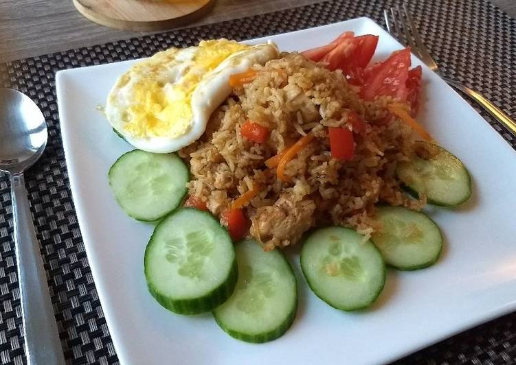 Recipe: Tasty Indonesian Nasi Goreng (Fried Rice) with chicken
