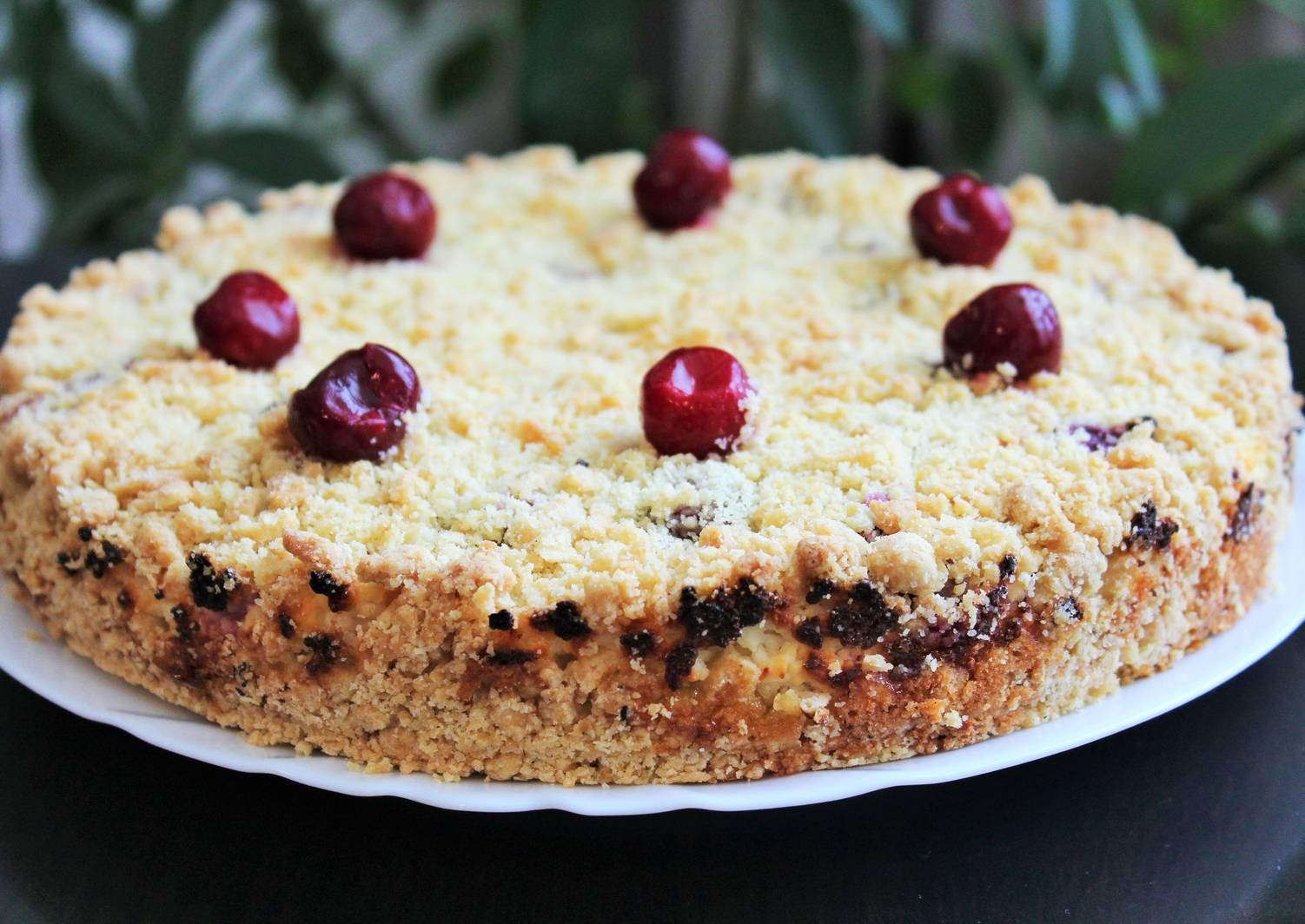 творожный пирог с вишней рецепт фото описывается как