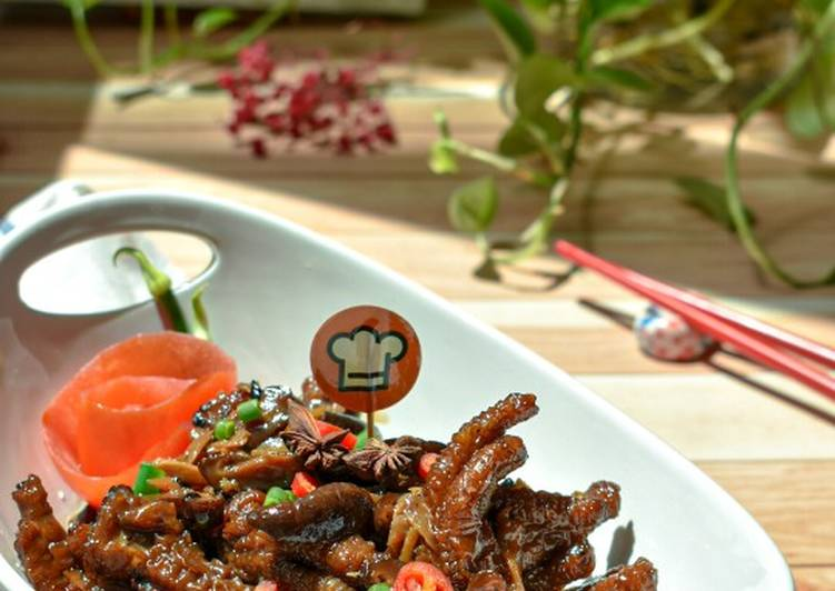 Kaki Ayam Masak Cendawan - velavinkabakery.com