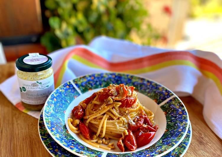 Ricetta Spaghetti con Pomodorini e Pesto di Noci ❤️